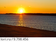 Купить «Beatiful Sunset on Volga River in Samara, Russia», фото № 9798456, снято 23 апреля 2019 г. (c) PantherMedia / Фотобанк Лори