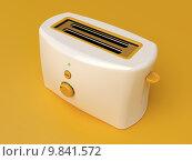 Купить «White electric toaster», фото № 9841572, снято 22 марта 2018 г. (c) PantherMedia / Фотобанк Лори