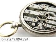 Купить «old pocket watch mechanism», фото № 9894724, снято 27 мая 2018 г. (c) PantherMedia / Фотобанк Лори