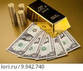 Купить «Gold and money», фото № 9942740, снято 26 апреля 2019 г. (c) PantherMedia / Фотобанк Лори