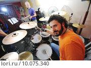Купить «music band have training in garage», фото № 10075340, снято 19 июля 2019 г. (c) PantherMedia / Фотобанк Лори