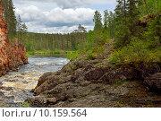 Купить «Бурные воды реки Oulankajoki в Национальном парке Оуланка, Финляндия, Лапландия», фото № 10159564, снято 8 июля 2015 г. (c) Валерия Попова / Фотобанк Лори
