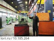 Купить «industry workers people in factory», фото № 10185264, снято 24 июля 2019 г. (c) PantherMedia / Фотобанк Лори