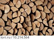 Купить «Cut firewood stack logs as pattern», фото № 10214564, снято 24 января 2019 г. (c) PantherMedia / Фотобанк Лори