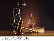 Купить «Antique statue of justice, law», фото № 10451316, снято 16 октября 2018 г. (c) PantherMedia / Фотобанк Лори
