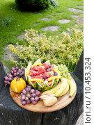 Купить «fruit still life with water melon», фото № 10453324, снято 22 февраля 2019 г. (c) PantherMedia / Фотобанк Лори