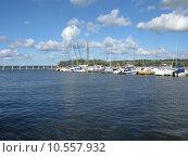 Купить «city new town boat bridge», фото № 10557932, снято 22 июля 2019 г. (c) PantherMedia / Фотобанк Лори