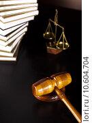 Купить «Law theme, mallet of judge, wooden gavel », фото № 10604704, снято 6 июля 2020 г. (c) PantherMedia / Фотобанк Лори