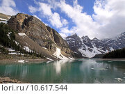 Купить «Lake Moraine im Banff Nationalpark. Kanada», фото № 10617544, снято 11 июля 2020 г. (c) PantherMedia / Фотобанк Лори