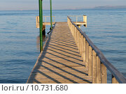 Купить «The wooden platform in Dardanelles. The view from Asia on Europe», фото № 10731680, снято 25 мая 2019 г. (c) PantherMedia / Фотобанк Лори