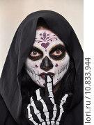 Купить «woman girl halloween carnival skeleton», фото № 10833944, снято 22 июля 2019 г. (c) PantherMedia / Фотобанк Лори