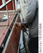 Купить «hand metal sawing», фото № 10910664, снято 24 июля 2019 г. (c) PantherMedia / Фотобанк Лори
