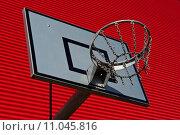 Купить «Outdoor basketball palisade», фото № 11045816, снято 21 января 2018 г. (c) PantherMedia / Фотобанк Лори