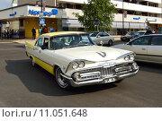 Купить «Wheels Classic Motor Meet в Хапаранде, Швеция. Dodge Coronet, 4-door sedan, 1959 год выпуска, ограниченное количество для такси и полиции», фото № 11051648, снято 11 июля 2015 г. (c) Валерия Попова / Фотобанк Лори