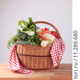 Купить «Fresh vegetables in a basket», фото № 11289680, снято 19 июня 2019 г. (c) PantherMedia / Фотобанк Лори
