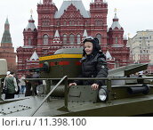 Купить «Историческая военная техника на Красной площади в Москве», фото № 11398100, снято 7 ноября 2013 г. (c) Free Wind / Фотобанк Лори