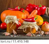 Купить «Домашние заготовки из овощей», фото № 11410148, снято 25 августа 2015 г. (c) Виктория Панченко / Фотобанк Лори