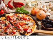Купить «Homemade pizza», фото № 11432012, снято 16 октября 2018 г. (c) PantherMedia / Фотобанк Лори