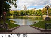 Вид на дом на Патриарших. Стоковое фото, фотограф Роман Басманов / Фотобанк Лори