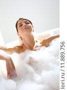 Купить «Beautiful woman relaxing in bathtub», фото № 11889756, снято 20 июня 2019 г. (c) PantherMedia / Фотобанк Лори