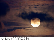 Купить «Nice night shot of the full moon», фото № 11912616, снято 25 июня 2019 г. (c) PantherMedia / Фотобанк Лори