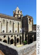 Купить «Cathedral, Evora, Portugal», фото № 11950240, снято 20 сентября 2018 г. (c) PantherMedia / Фотобанк Лори