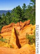 Купить «ochre cliffs near Roussillon, Provence, France», фото № 12091732, снято 17 октября 2018 г. (c) PantherMedia / Фотобанк Лори