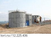 Купить «Резервуары для воды в стадии ремонта», эксклюзивное фото № 12225436, снято 7 декабря 2019 г. (c) Валерий Акулич / Фотобанк Лори