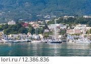 Купить «Прибрежный пейзаж Средиземного моря, Италия», фото № 12386836, снято 14 августа 2015 г. (c) EugeneSergeev / Фотобанк Лори