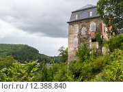 Купить «mountain castle chateau burganlage nicole», фото № 12388840, снято 19 января 2019 г. (c) PantherMedia / Фотобанк Лори