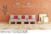 Купить «Living room with pallet sofa», фото № 12622828, снято 20 февраля 2020 г. (c) PantherMedia / Фотобанк Лори