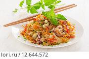Rice noodles with vegetables and seafood on a plate. Стоковое фото, фотограф Tatjana Baibakova / Фотобанк Лори