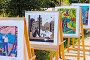 Выставка детских рисунков в городском парке. Россия, Сибирь, Новосибирская область, город Бердск, фото № 12645640, снято 5 сентября 2015 г. (c) Евгений Мухортов / Фотобанк Лори