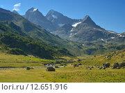 Купить «Красивая долина в Кавказских горах», фото № 12651916, снято 30 августа 2015 г. (c) александр жарников / Фотобанк Лори