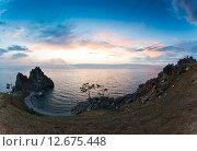 Мыс Бурхан и скала Шаман на острове Ольхон на Байкале, Россия (2015 год). Стоковое фото, фотограф Борис Ветшев / Фотобанк Лори