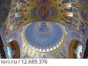 Купить «Внутренняя отделка купола Морского Никольского собора в Кронштадте», эксклюзивное фото № 12689376, снято 6 марта 2015 г. (c) Максим Мицун / Фотобанк Лори
