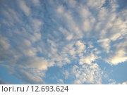 Купить «Облака на небе», фото № 12693624, снято 10 сентября 2015 г. (c) Алексей Маринченко / Фотобанк Лори