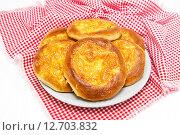 Купить «Вкусные ватрушки с сыром», фото № 12703832, снято 13 сентября 2015 г. (c) Наталья Осипова / Фотобанк Лори