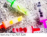 Купить «Frozen Ice Pops Made with Fresh Fruit», фото № 12707524, снято 17 июня 2019 г. (c) PantherMedia / Фотобанк Лори