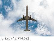 Самолёт в небе. Редакционное фото, фотограф Артём Самохин / Фотобанк Лори