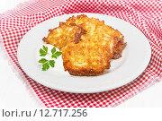 Купить «Картофельные драники со сметаной», фото № 12717256, снято 13 сентября 2015 г. (c) Наталья Осипова / Фотобанк Лори