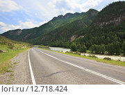 Купить «Река Чуя и Чуйский тракт», фото № 12718424, снято 15 июля 2015 г. (c) Юлия Машкова / Фотобанк Лори