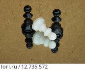 Пешки, шахматные фигуры. Стоковое фото, фотограф рустам ниязов / Фотобанк Лори