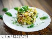 Купить «Овощной салат с маринованными огурцами», фото № 12737748, снято 24 сентября 2015 г. (c) Peredniankina / Фотобанк Лори