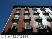 Купить «Madrid, Spain, mehrstoeckiges house Plaza Sta Ana corner of Calle del Principe», фото № 12742928, снято 8 сентября 2014 г. (c) Caro Photoagency / Фотобанк Лори