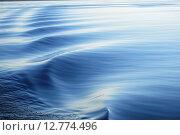 Волны на воде. Стоковое фото, фотограф Николай Новиков / Фотобанк Лори