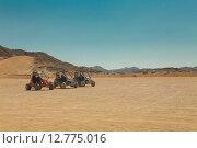 Купить «Три багги в пустыне», фото № 12775016, снято 16 сентября 2014 г. (c) Сосенушкин Дмитрий Александрович / Фотобанк Лори