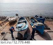 Лодки (2014 год). Редакционное фото, фотограф Nicolas Naoumov / Фотобанк Лори