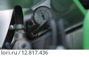 Купить «Манометр», видеоролик № 12817436, снято 6 октября 2015 г. (c) Алексей Жарков / Фотобанк Лори