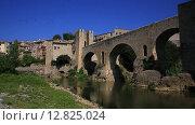 Купить «Испания, Каталония. Средневековый город памятник Бесалу», видеоролик № 12825024, снято 14 августа 2018 г. (c) Валерий Назаров / Фотобанк Лори